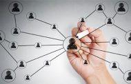 بازاریابی و تبلیغات از طریق افراد مشهور شبکه های اجتماعی / نفوذ به بازار با سلبریتی های مجازی